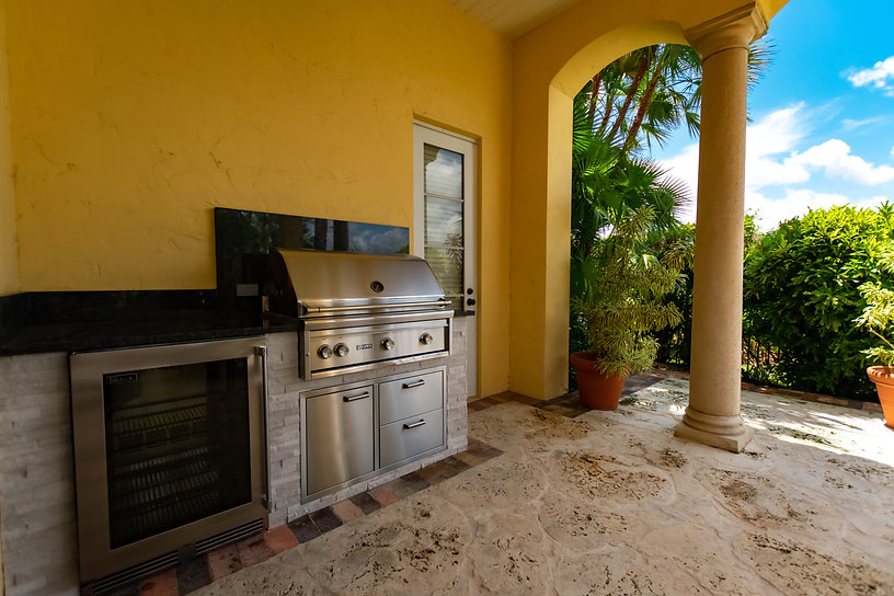 Outdoor Kitchen Tequesta