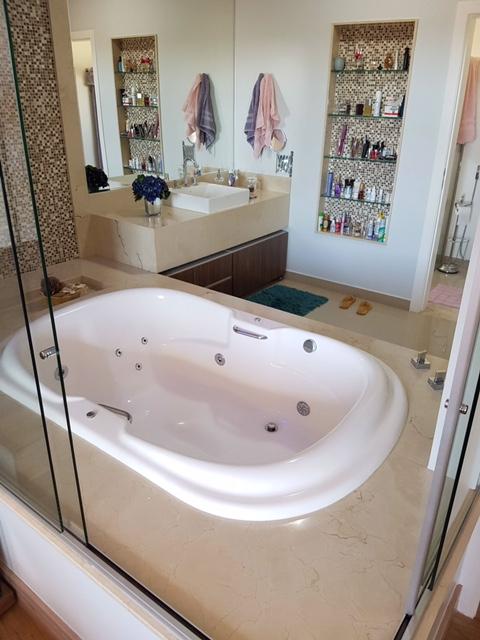 Banho Master em Crema marfil