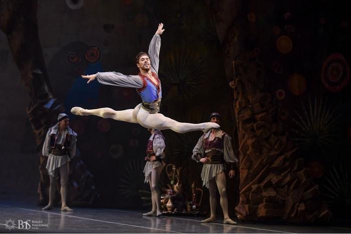 """Exito del Ballet del Sodre con """"El Corsario"""""""