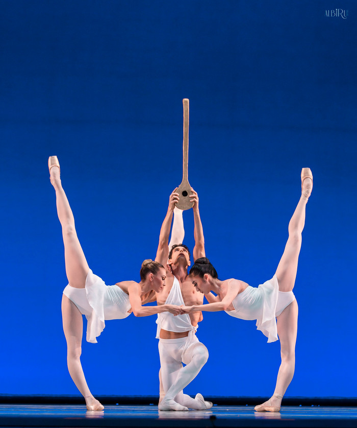 La Compañía Nacional de Danza emprende su nuevo vuelo