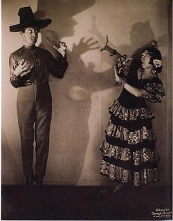 Vicente Escucero con Carmita, El amor Brujo 1936, por Vechten.JPG