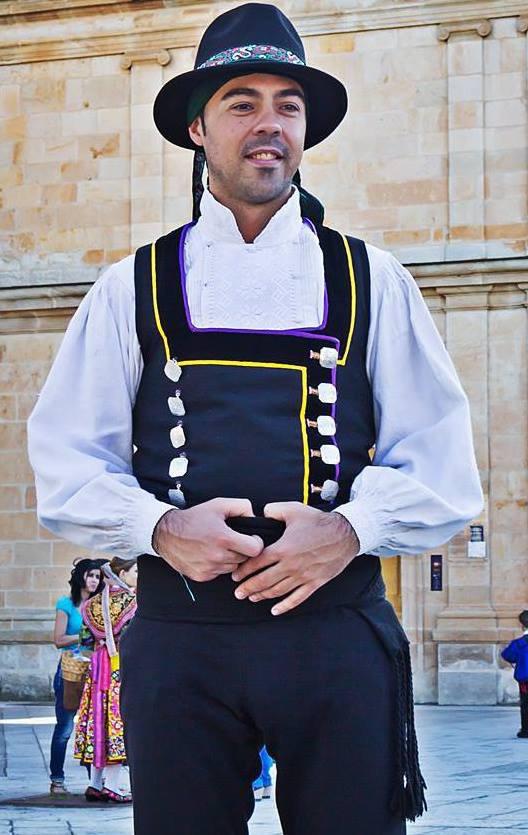 Entrevista a Miguel Santos, Director del Grupo de Coros y Danzas Doña Urraca