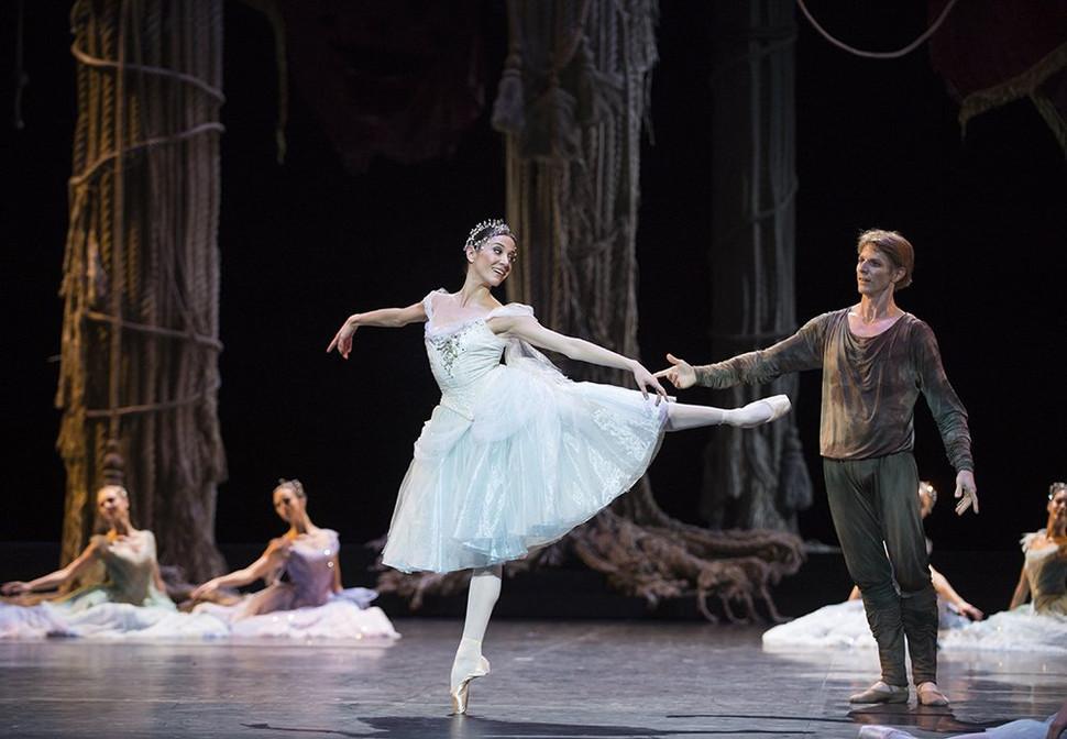 """""""La Source"""": el  Ballet de la Ópera de París recrea su antiguo  esplendor"""