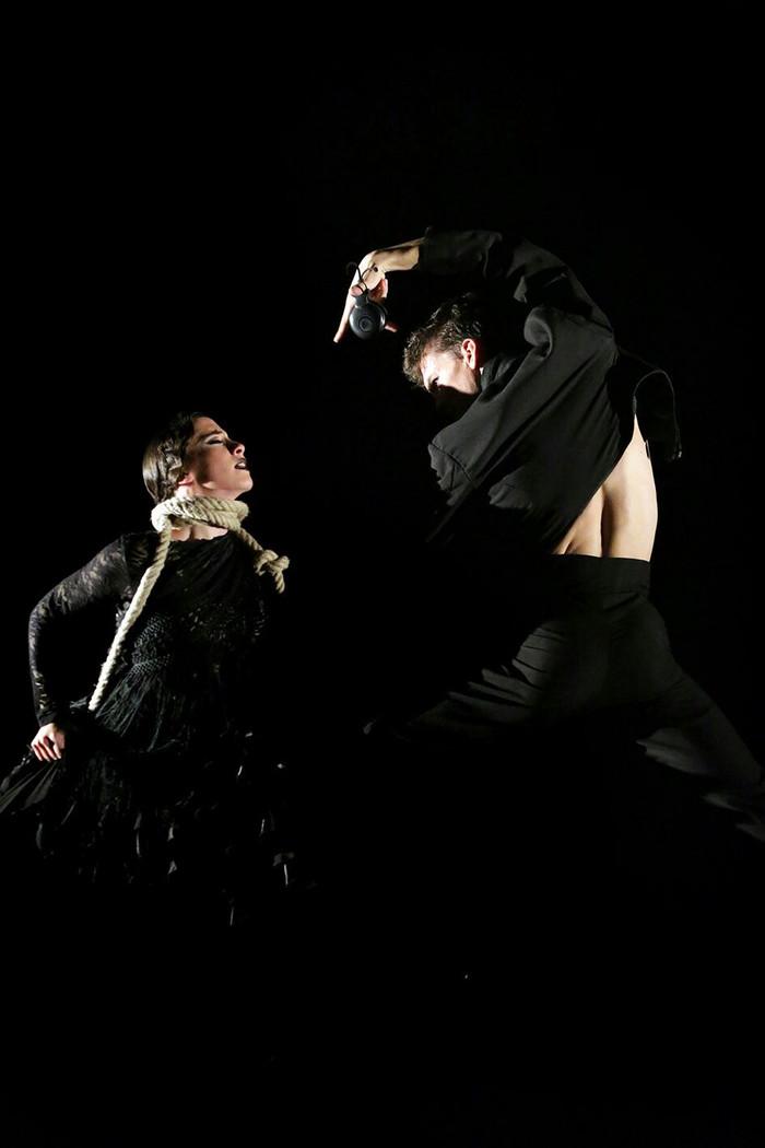 """""""Los Bailarines del BNE Crean"""" contagian al público su ilusión"""