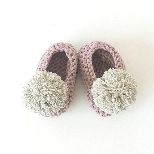 Slippers rosa antiguo con pompón de lino Talla 3-6 meses
