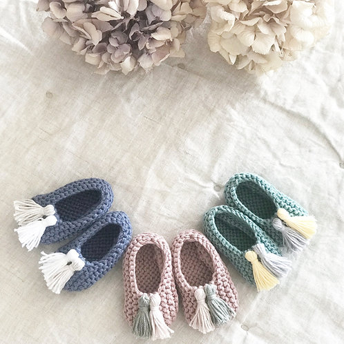 Slippers con borlas / Slippers with tassels