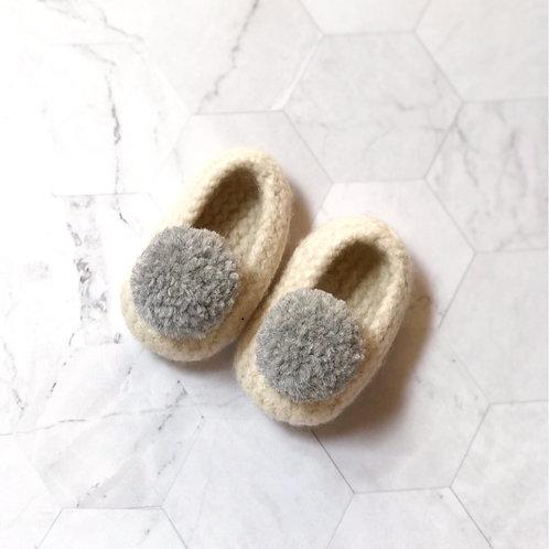 Slippers fieltradas con pompón de lana