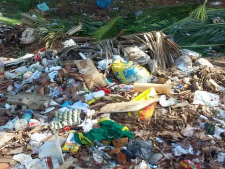 Prefeitura intensifica limpeza de áreas críticas e constrói lixeiras em comunidades