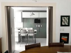 Porta de integração com a cozinha