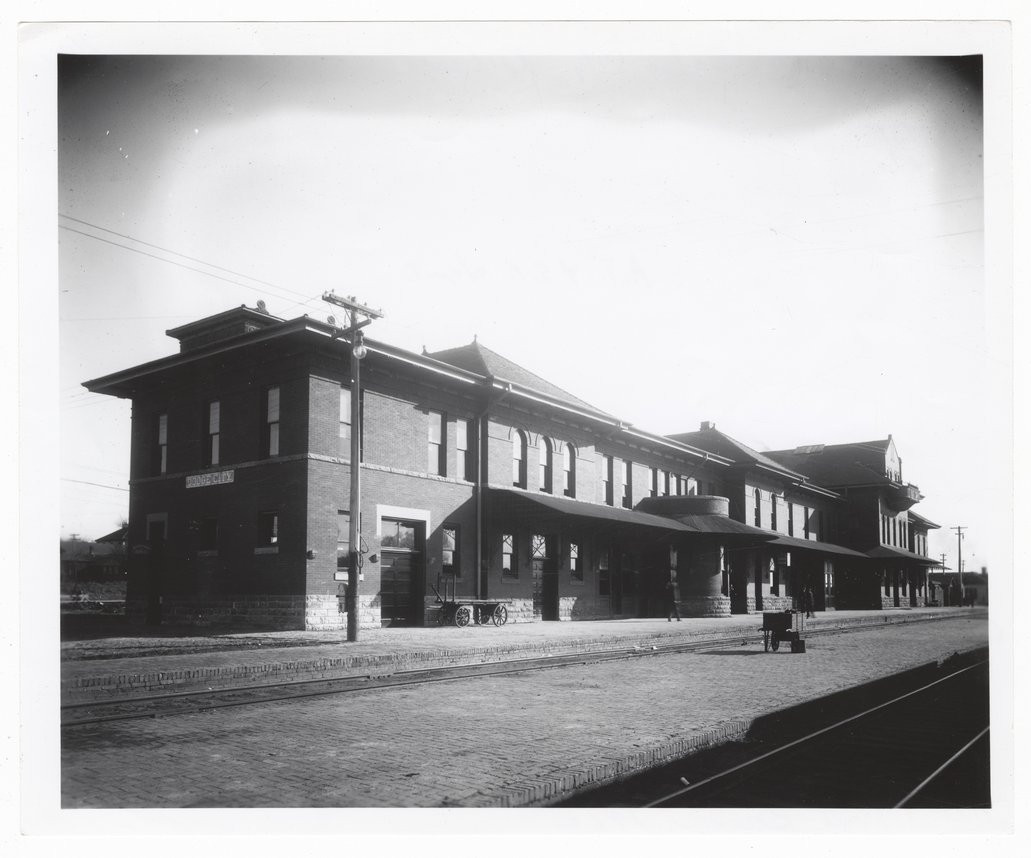 ATSF depot & Harvey House