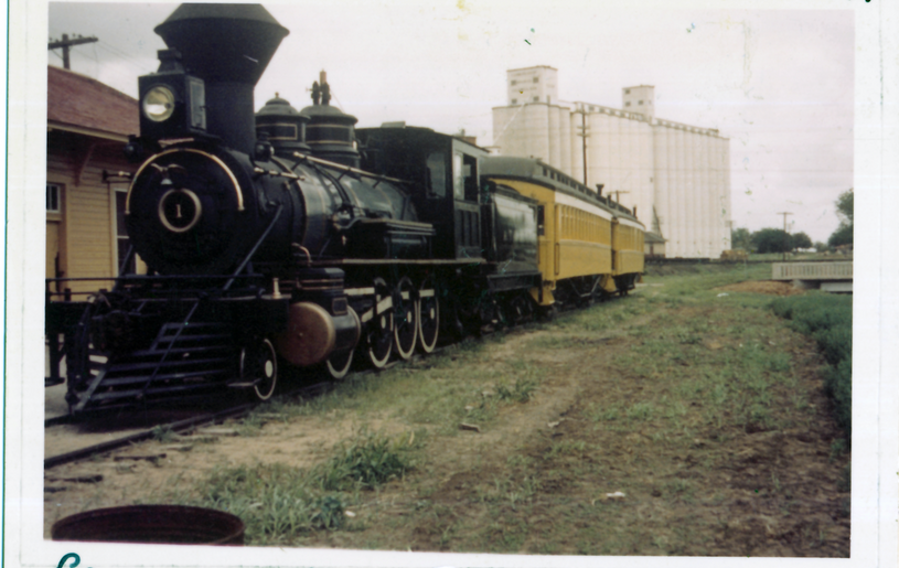 ATSF depot w/ATSF no.1