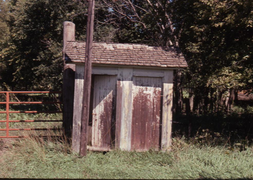 ATSF outhouse