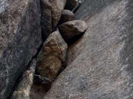 Escalada na Chaminé do Funil / Cereja do Bolo, Cantagalo