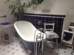 ensuite - freestanding bath