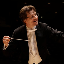 Martin conducting color