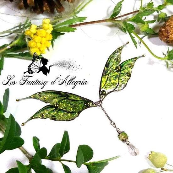 Bijoux collier ailes de fée elfe vert scarabée à paillettes acier argenté bois d'orée