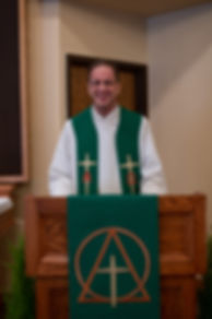 Pastor-in-pulpit.jpg
