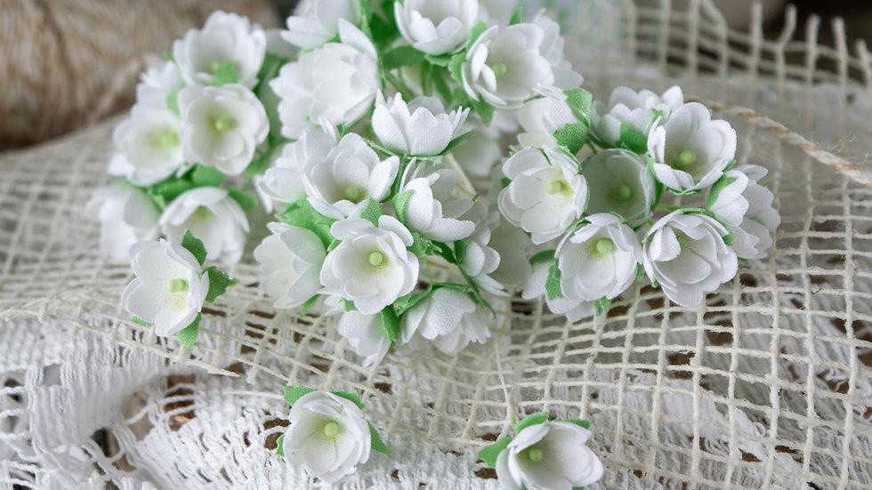 Mini flowers white 1 cm
