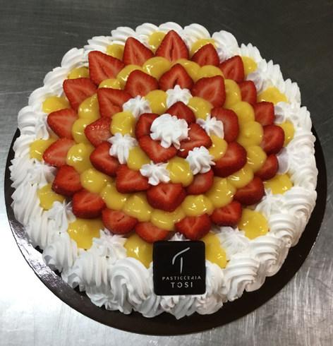 Torta-Fragole,-Crema-e-Panna.jpg