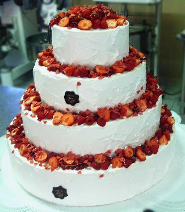 Torta-Matromonio-con-Fragole