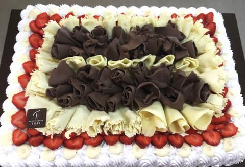 Torta-Fragole-Cioccolato-Bianco-e-Nero.j