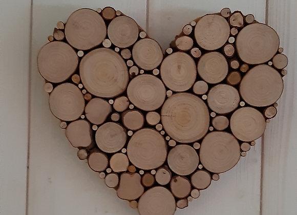 Coeur en rondins de bois