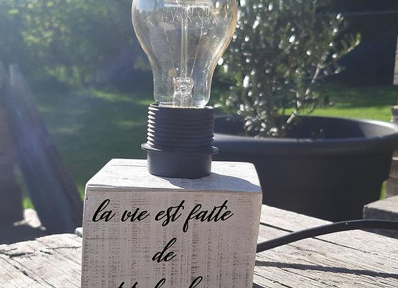 Lampe en bois personnalisable