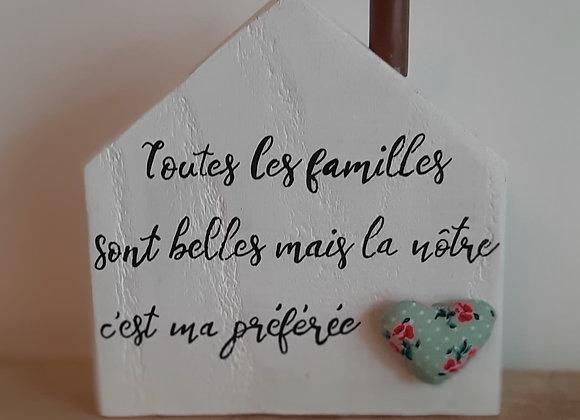Maison cheminée blanche coeur bleu