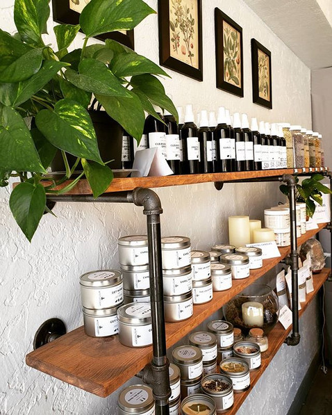 Look at those beautifully stocked shelve
