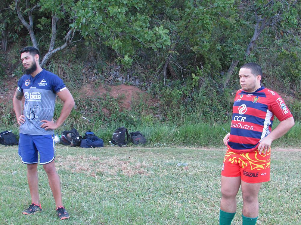 Luiz Gomes, treinando com a camisa do Ymborés