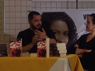 """O escritor Tiago Bittencourt fala dos desafios de """"O Raul que me contaram"""""""