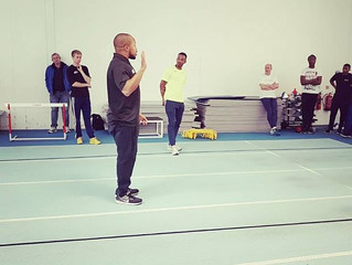 Fortbildungsherbst: Sprintcoach Christopher Montague bei Jonas Dodoo und Michael Afilaka