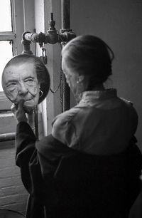 Louise Bourgeois#Jerry Gorovoy#Adar Yosef#Prada#אדר יוסף#לואיז בורז'ואה# Christie's#Sotheby's#Fondazione Prada