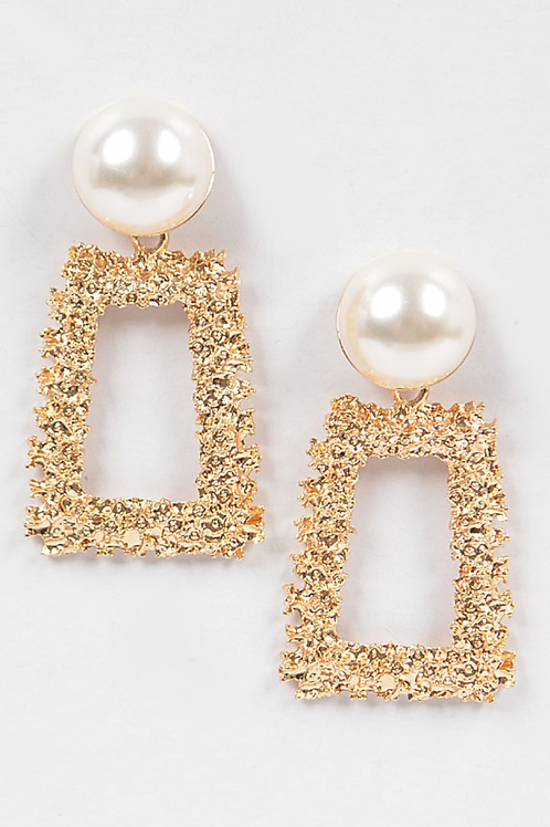 Hammered Earring W/pearl- Gold