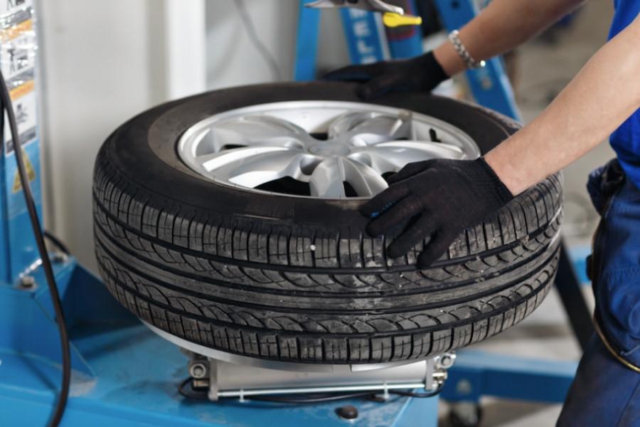 kia-wheel-tire-balance-service-900x600.j