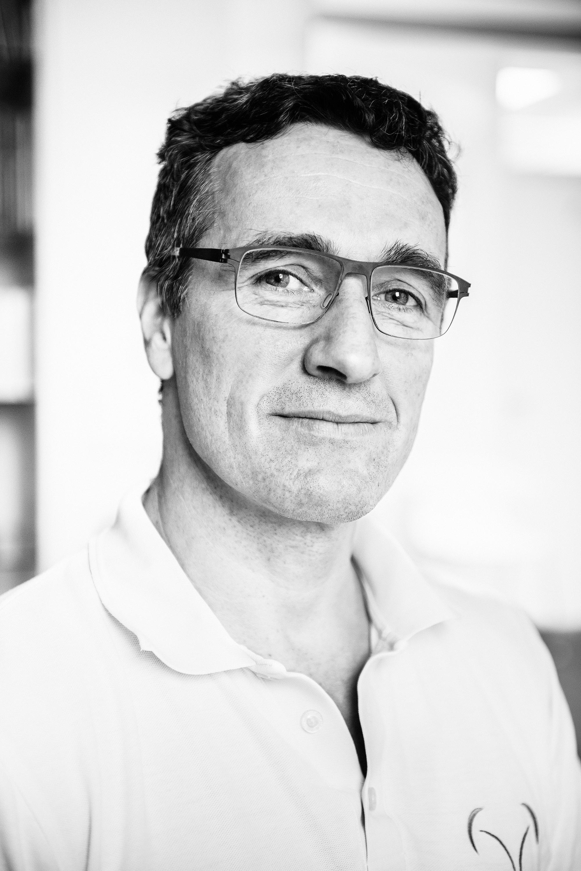 Dr. Alexander Fehling