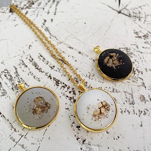 Halskette Casablanca gold - weiß/grau/schwarz