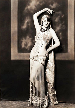 Ziegfeld Follies dancer Marion Brenda, c