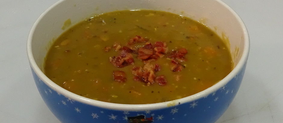 Slow Cooker Split Pea and Bacon Soup