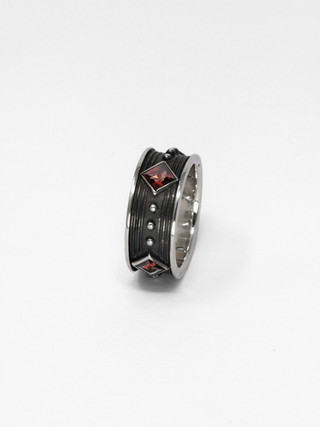 Fire Ring € 380