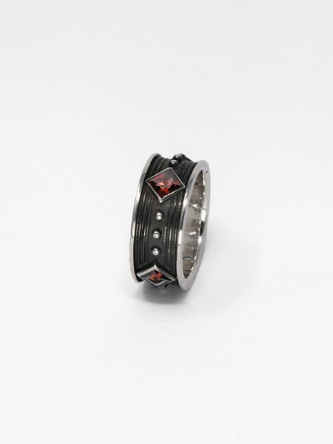 Red Knight Ring € 380