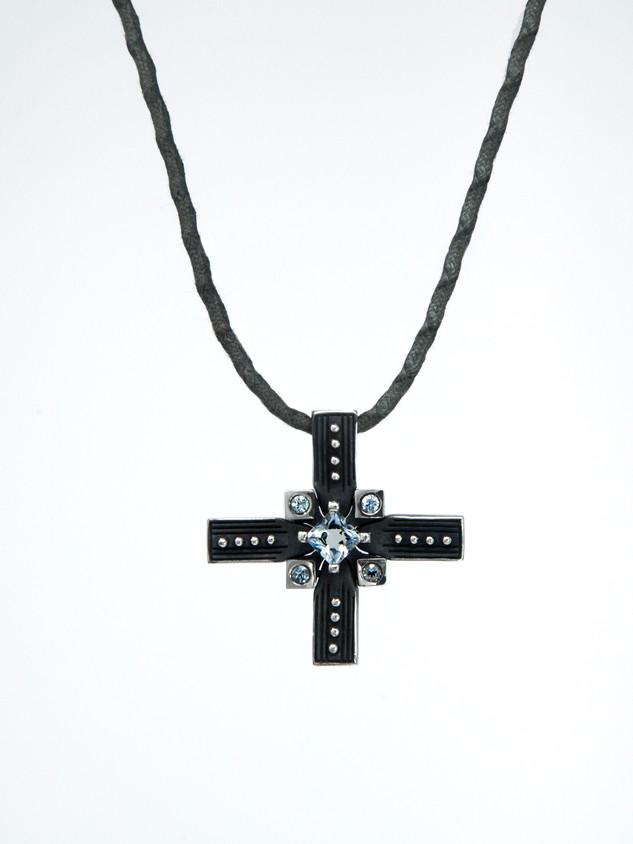 Cross I Blue € 650