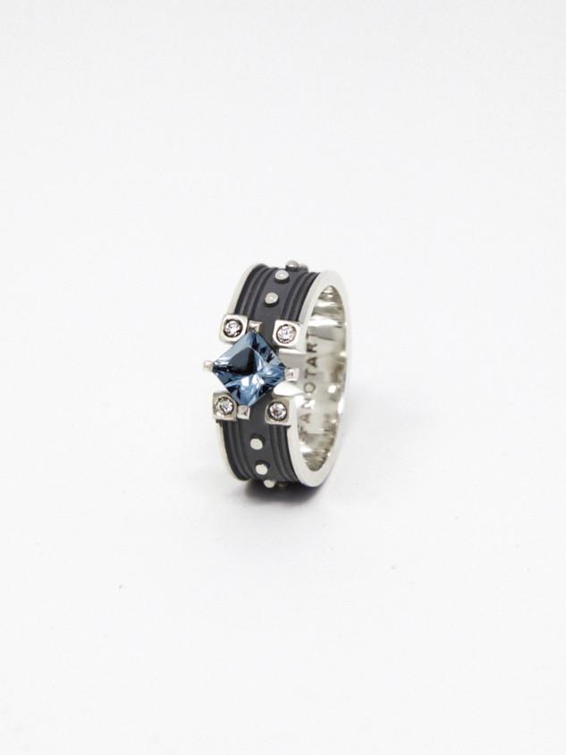 Clarity Ring € 500