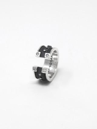Open Ring € 400
