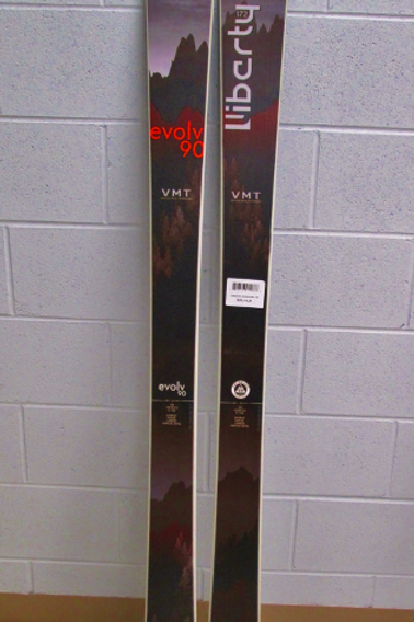 Liberty Evolv 90 VMT Alpine Skis