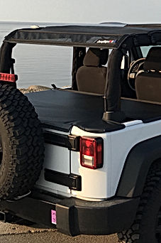 Jeep tonneau on 2 door jk