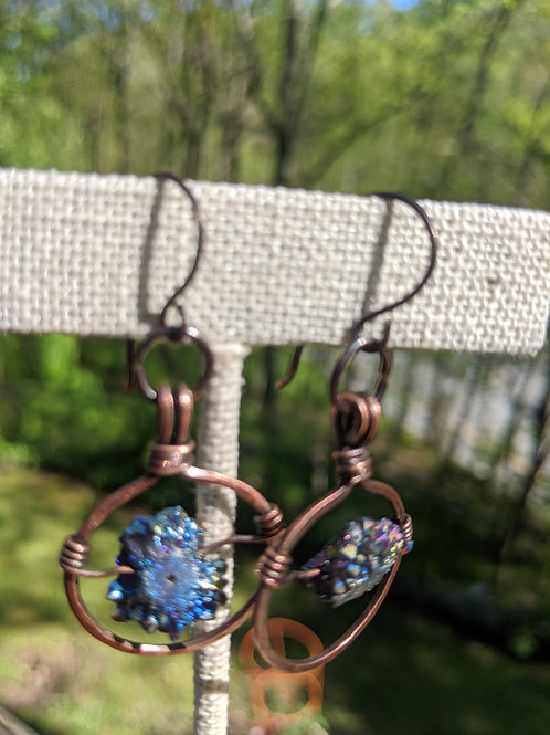 Wire-wrapped copper circles: druzy