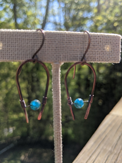 Copper horseshoe earrings: apatite