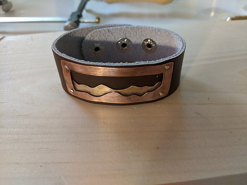 Leather cuff: mountains