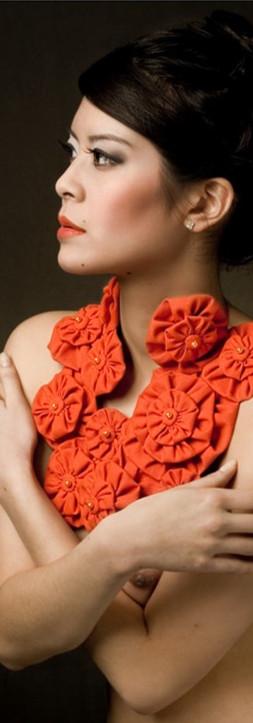 Collier tissu fleurs rouge